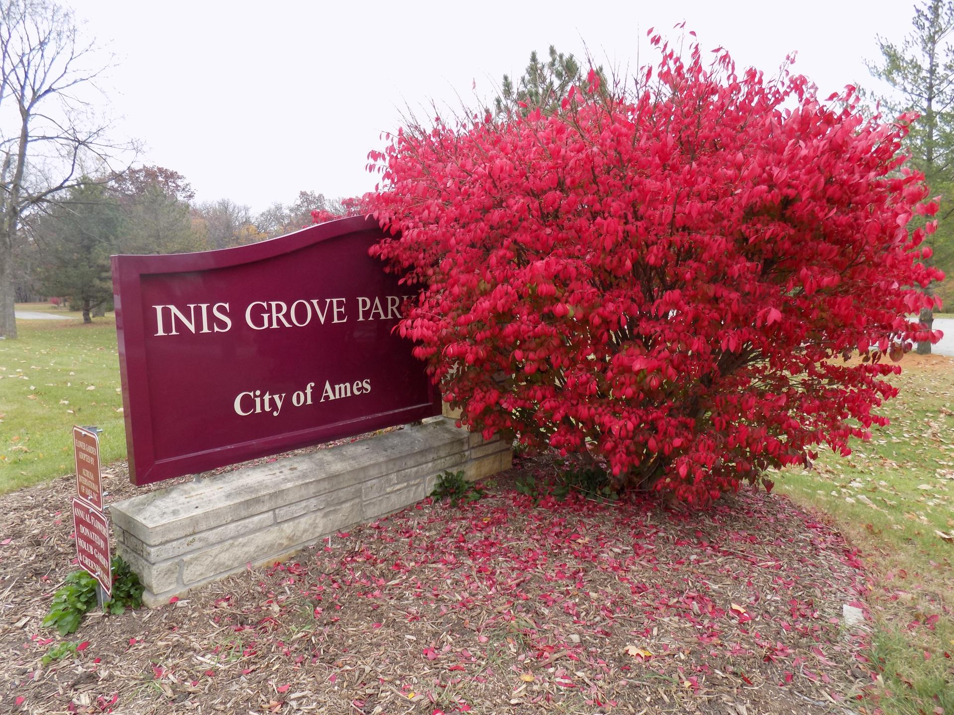 Inis Grove Park Sign